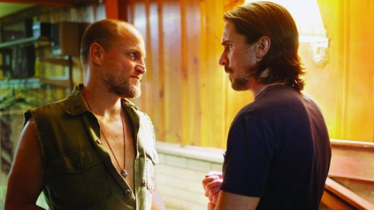 "Christian Bale e Woody Harrelson no novo trailer de ""Out of the Furnace"""