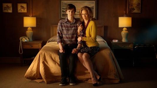 """""""Bates Motel"""": quem se passa dos carretos no trailer da segunda temporada?"""