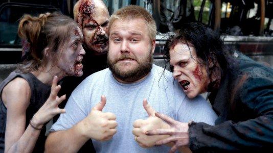 Depois dos zombies, Robert Kirkman dedica-se aos exorcismos