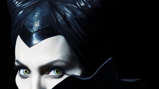 "Angelina Jolie temível no poster de ""Maleficent"""