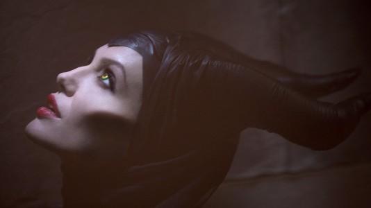 """Primeiro trailer e novas imagens de """"Maleficent"""" com Angelina Jolie (atualizado)"""