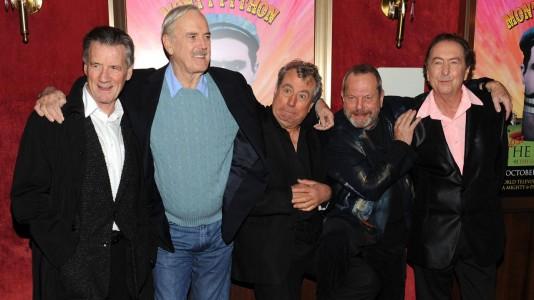 E agora, algo completamente diferente: uma reunião dos Monty Python