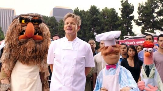 """Gordon Ramsay enfrenta o Chef Sueco num épico novo vídeo de """"Os Marretas"""""""