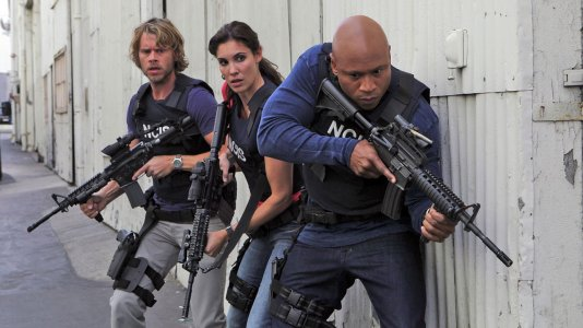 CBS renova séries por atacado: 15 vão ter novas temporadas