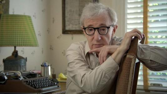 Carta aberta de filha adotiva denuncia alegados abusos de Woody Allen