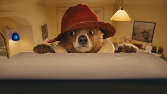 """Primeiro trailer para """"Paddington"""": ursinho fofo provoca caos num pacífico lar inglês"""