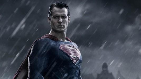 """Primeira imagem de Henry Cavill em """"Batman V Superman: Dawn Of Justice"""""""