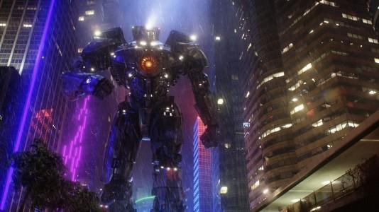 "Guillermo del Toro fala de ""Pacific Rim 2"" e admite um terceiro filme"