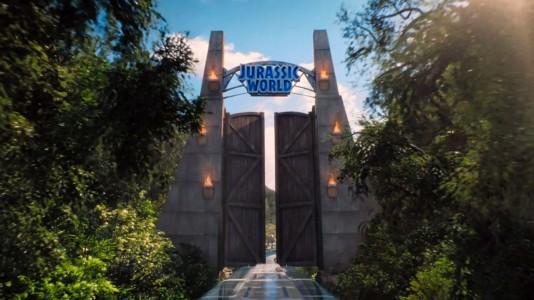 """Teaser anuncia o primeiro trailer de """"Jurassic World"""""""