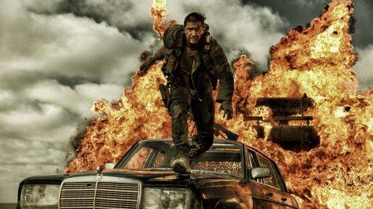 """Novo trailer de """"Mad Max: Estrada da Fúria"""" coloca toda a carne no assador"""