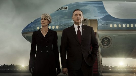 """House of Cards"" renovada para a quarta temporada"
