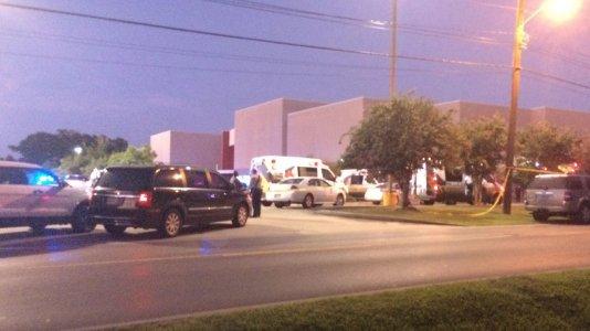 Tiroteio em cinema nos EUA causa três mortos e sete feridos