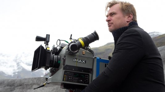 Christopher Nolan apela a ajuda económica para as salas de cinema