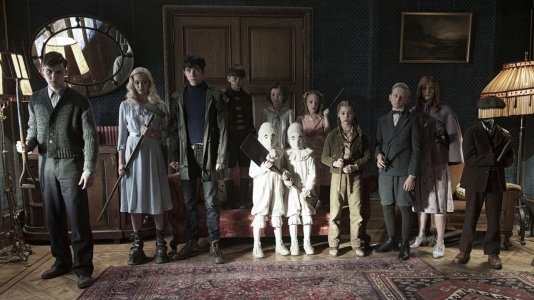 """Primeiro olhar sobre """"A Casa da Senhora Peregrine para Crianças Peculiares"""""""