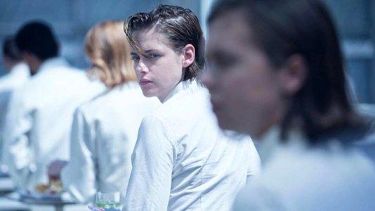 """Kristen Stewart e Nicholas Hoult no novo trailer de """"Equals"""""""