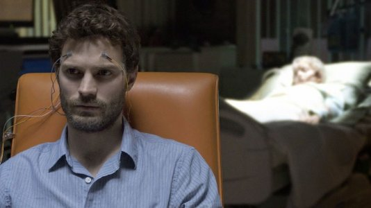 "Trailer ""The 9th Life of Louis Drax"" com Jamie Dornan"
