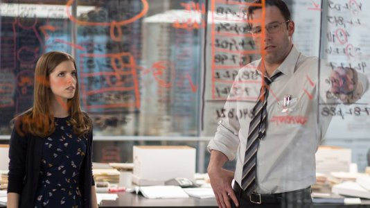 "Novo trailer de ""The Accountant"" explica como Ben Affleck é mais do que um simples contabilista"