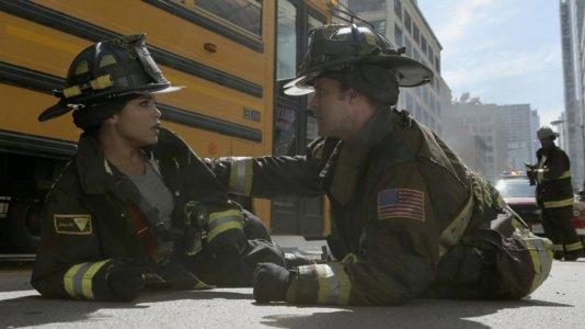 """O fogo continua a arder na quinta temporada de """"Chicago Fire"""" - estreia em outubro no TVSéries"""
