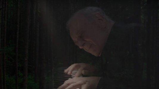 "Teaser trailer de ""Twin Peaks"" recorda Laura Palmer e o compositor Angelo Badalamenti"