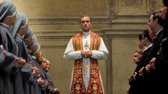 Série com Jude Law no papel de um jovem e polémico Papa em novembro no TVSéries