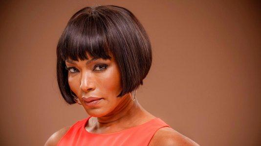 "Angela Bassett junta-se ao elenco de ""Pantera Negra"""