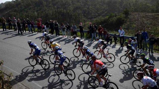 Volta ao Algarve em bicicleta com transmissão no Eurosport
