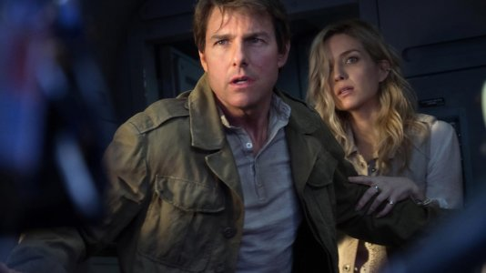 """Primeiro olhar sobre os bastidores de """"A Múmia"""" com Tom Cruise"""