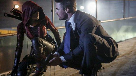 """""""Arrow"""": quinta temporada estreia em abril no AXN"""