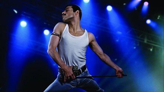 "Veja Rami Malek como Freddie Mercury na biopic ""Bohemian Rhapsody"""