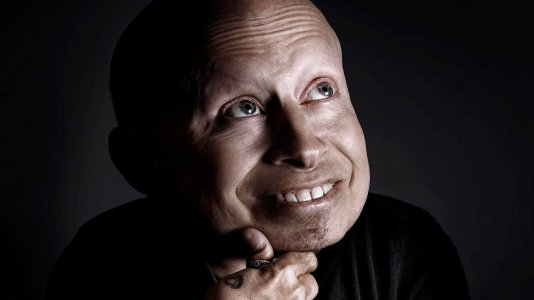 O adeus ao mini-me: ator Verne Troyer morre aos 49 anos