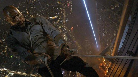 """""""Arranha-Céus"""": simulador coloca público no lugar de Dwayne Johnson a centenas de metros de altura"""